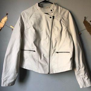 Torrid White Faux Leather Moto Jacket Sz 1